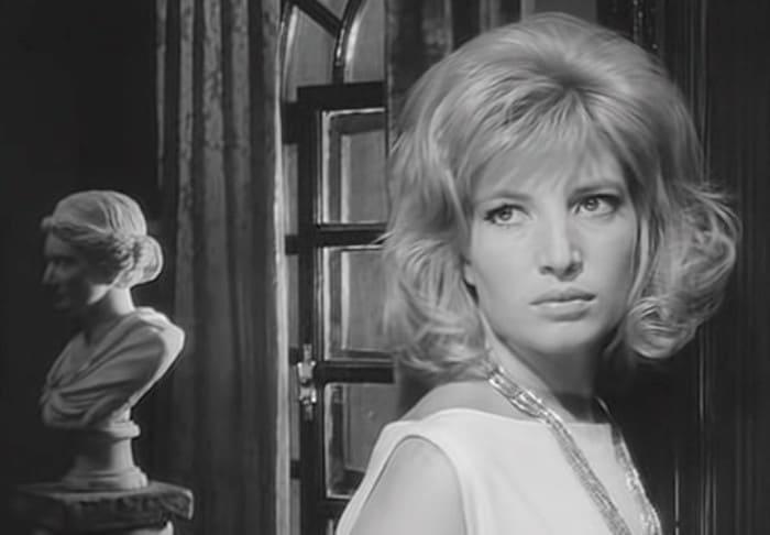 Моника Витти в фильме *Затмение*, 1961 | Фото: kino-teatr.ru