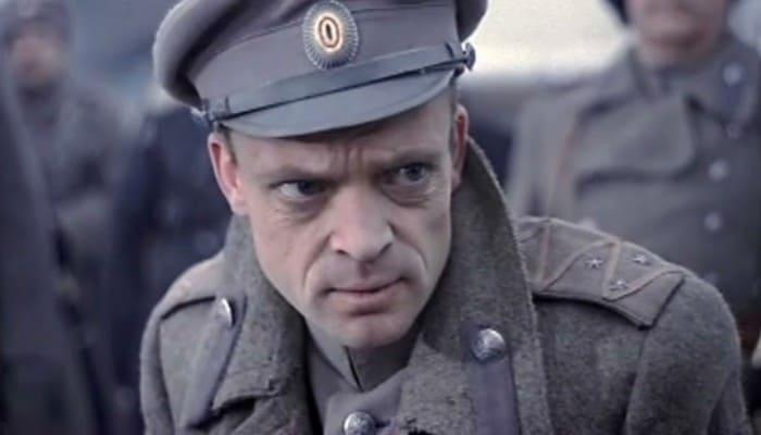 Владислав Дворжецкий в роли генерала Хлудова   Фото: kino-teatr.ru