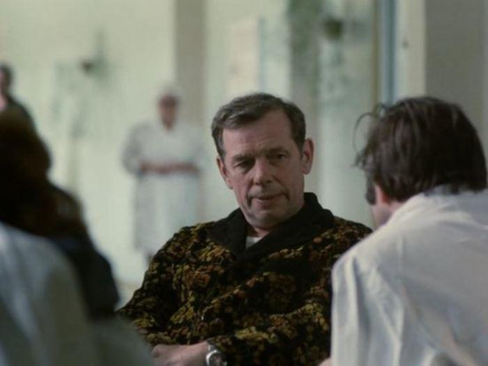 Г. Жженов в фильме *Экипаж* | Фото: kino-teatr.ru