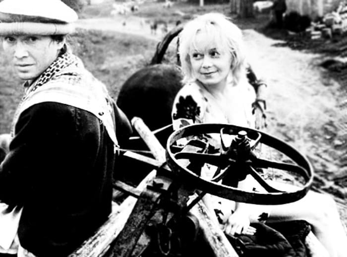 Евгений Миронов и Евдокия Германова на съемках фильма *Мусульманин*, 1995 | Фото: kino-teatr.ru