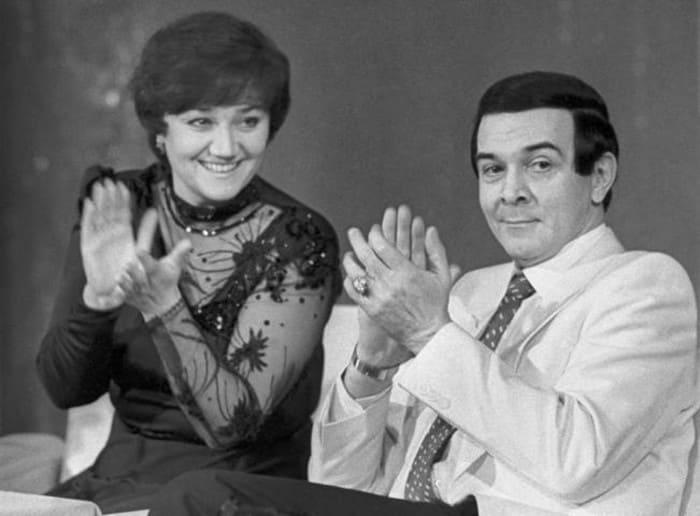 Муслим Магомаев с женой, оперной певицей Тамарой Синявской | Фото: culture.ru