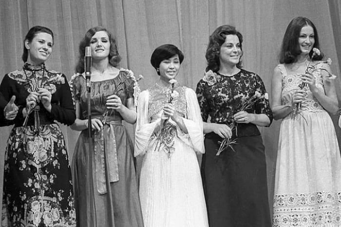 Валентина Толкунова, Надежда Чепрага, Роза Рымбаева, Эльвира Узунян и София Ротару | Фото: 24smi.org