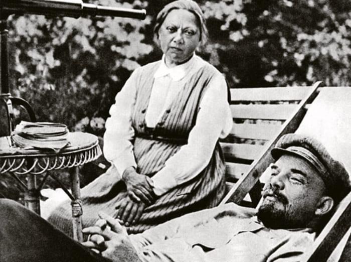 Ленин и Крупская в Горках, 1922 | Фото: sovtime.ru