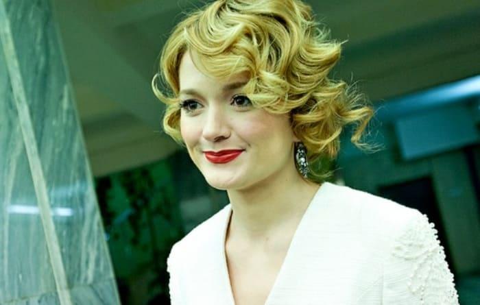 Надежда Михалкова на вручении премии *Золотой орел-2011* | Фото: kino-teatr.ru