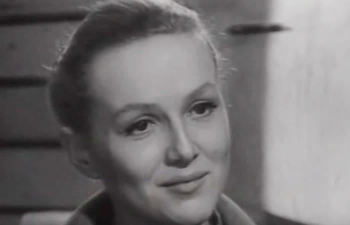Надежда Репина в фильме *У озера*, 1969 | Фото: kino-teatr.ru