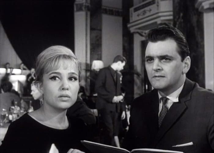 Кадр из фильма *Легкая жизнь*, 1964   Фото: kino-teatr.ru