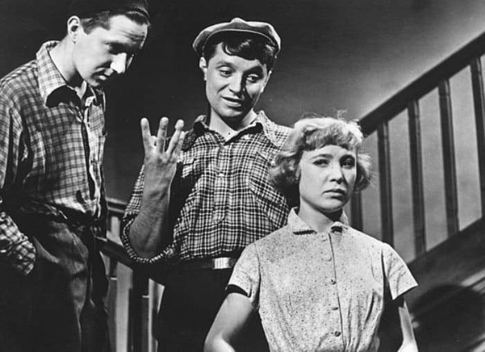 Кадр из фильма *Неподдающиеся*, 1959   Фото: kino-teatr.ru