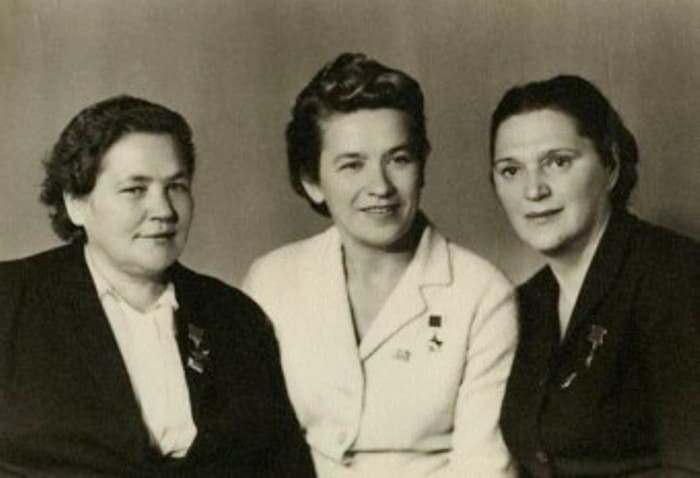 Мария Осипова, Надежда Троян и Елена Мазаник   Фото: samsud.ru