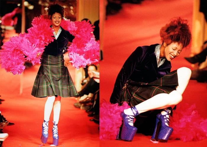 Даже ее падение на подиуме стало событием в мире моды   Фото: peopletalk.ru