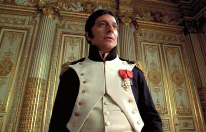 Кристиан Клавье в фильме *Наполеон*, 2002 | Фото: kino-teatr.ru