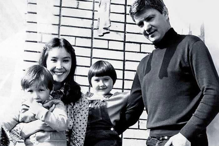 Актриса со вторым мужем, Николаем Двигубским, и детьми | Фото: 24smi.org