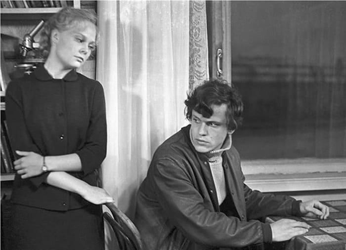 Наталья Белохвостикова и Николай Еременко в фильме *У озера*, 1969 | Фото: kino-teatr.ru