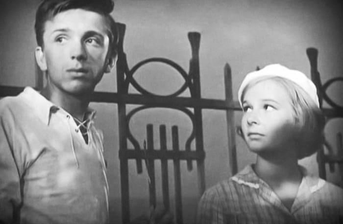 Евгений Стеблов и Наталья Богунова в фильме *До свидания, мальчики!*, 1964   Фото: kino-teatr.ru