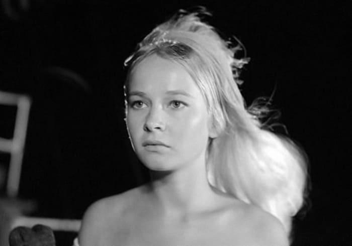 Кадр из фильма *Бегущая по волнам*, 1967   Фото: kino-teatr.ru