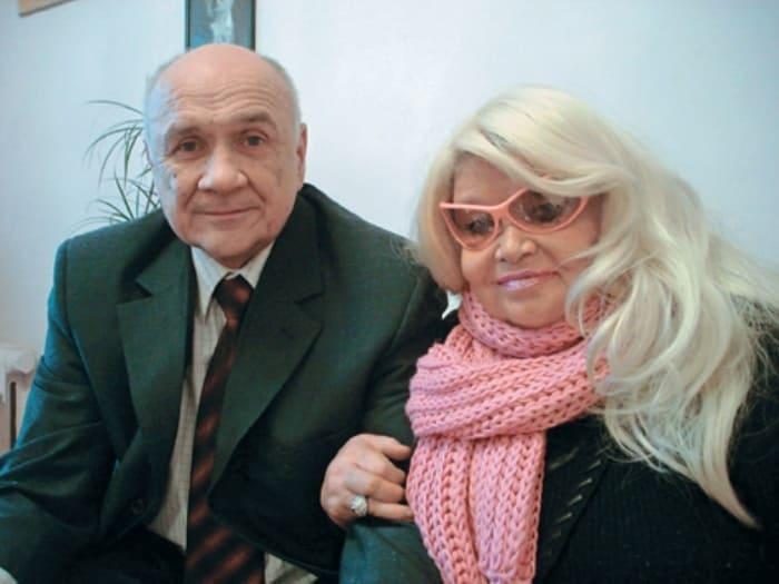 Актриса со вторым мужем, дипломатом Олегом Волковым | Фото: mk.ru