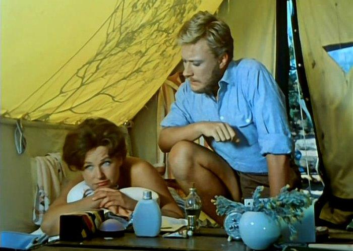 Наталья Фатеева и Андрей Миронов в фильме *Три плюс два*, 1963 | Фото: mtdata.ru