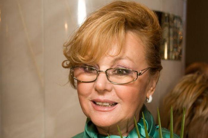 Народная артистка РФ Наталья Селезнева | Фото: aif.ru