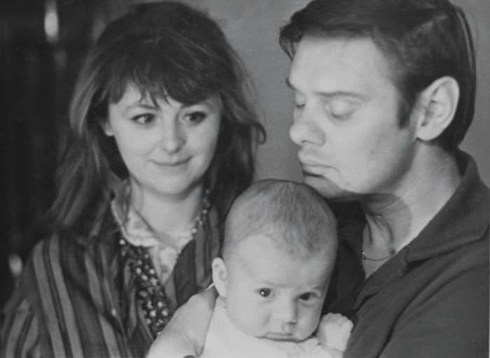Актриса с мужем и новорожденным сыном | Фото: tele.ru