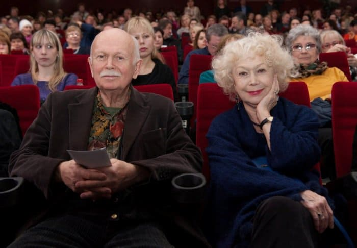 Кинооператор Николай Немоляев и его сестра, актриса Светлана Немоляева | Фото: retrospectra.ru