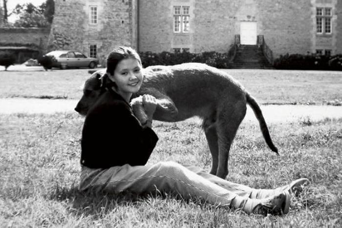 Екатерина Двигубская возле замка отца в Нормандии | Фото: 7days.ru