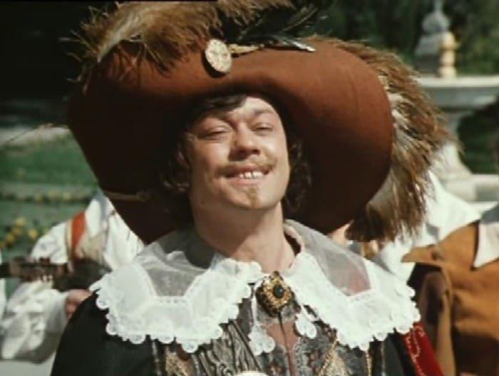 Николай Караченцов в фильме *Собака на сене*, 1977 | Фото: kino-teatr.ru