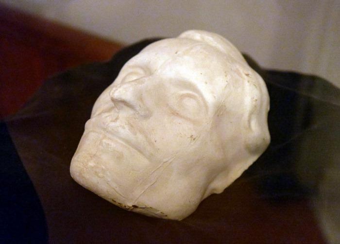 Посмертная маска Гоголя | Фото: im3.turbina.ru