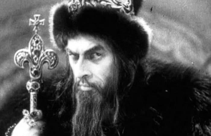 Николай Черкасов в фильме *Иван Грозный*, 1944-1945   Фото: kino-teatr.ru