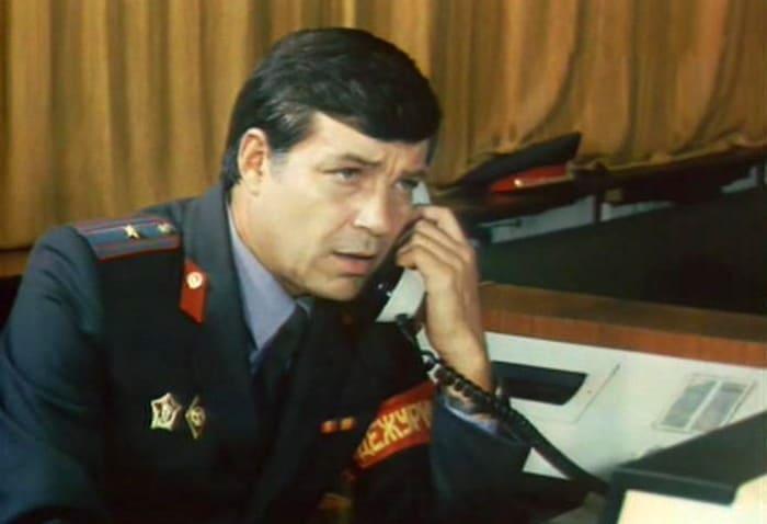 Кадр из фильма *86400 секунд работы дежурной части милиции*, 1988 | Фото: kino-teatr.ru