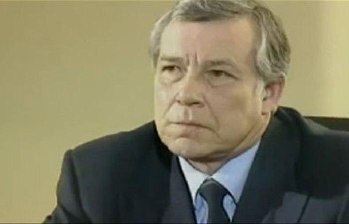 Николай Мерзликин в сериале *Сыщик без лицензии*, 2003 | Фото: kino-teatr.ru
