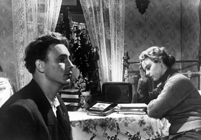 Кадр из фильма *Весна на Заречной улице*, 1956