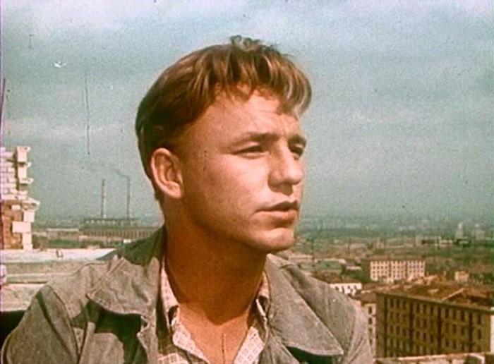 Николай Рыбников. Кадр из фильма *Девушка без адреса*, 1957