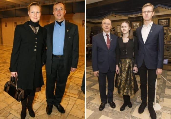 Актер с женой и детьми   Фото: starhit.ru