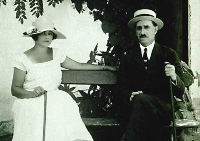 Александр Грин с женой Ниной. Старый Крым, 1926 | Фото: papersbook.ru