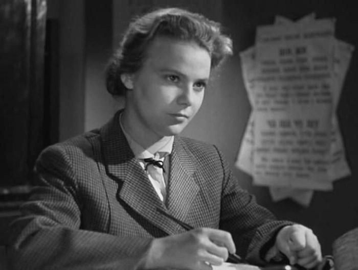 Нина Иванова в фильме *Весна на Заречной улице*, 1956 | Фото: kino-teatr.ru