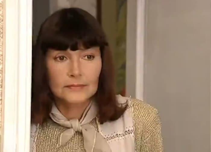 Нина Маслова в сериале *Салон красоты*, 2000 | Фото: kino-teatr.ru