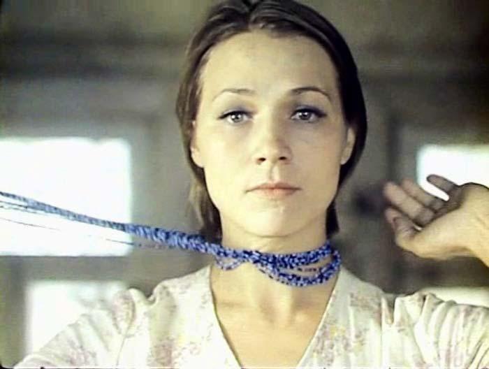 Нина Русланова в фильме *Не стреляйте в белых лебедей*, 1980 | Фото: kino-teatr.ru