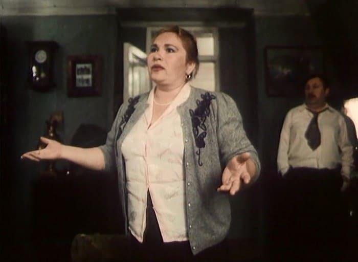 Нина Усатова в фильме *Окно в Париж*, 1993 | Фото: kino-teatr.ru