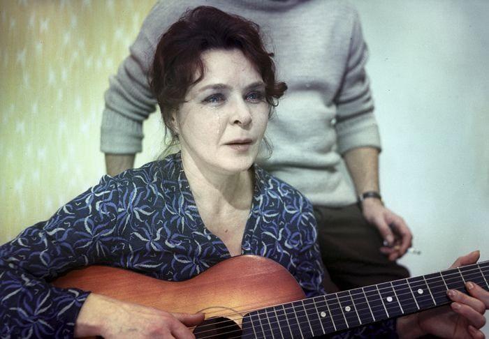Нина Ургант в фильме *Белорусский вокзал*, 1970 | Фото: teleprogramma.pro