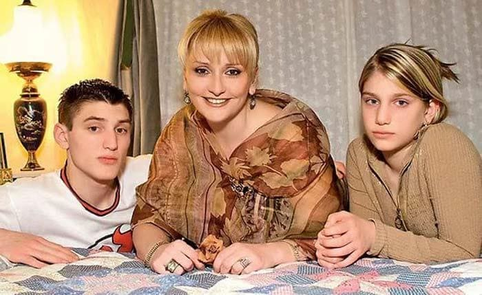 Ия Нинидзе с детьми | Фото: kino-teatr.ru