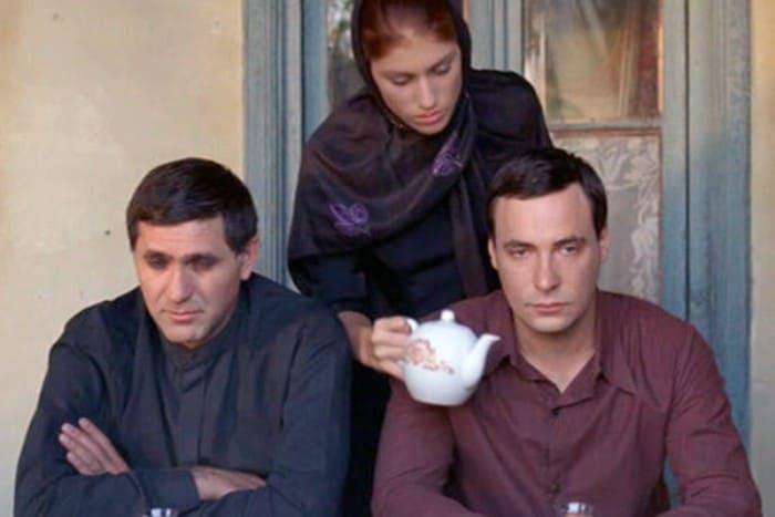 Кадр из фильма *И не было лучше брата*, 2011 | Фото: starhit.ru