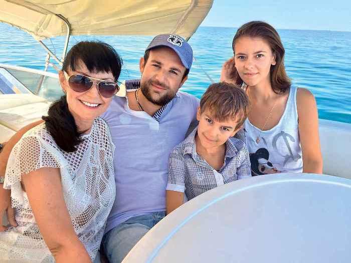 Нонна Гришаева с семьей | Фото: visaforus.ru