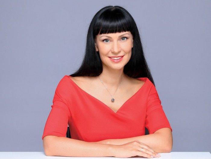 Заслуженная артистка России Нонна Гришаева | Фото: shoubiz.guru