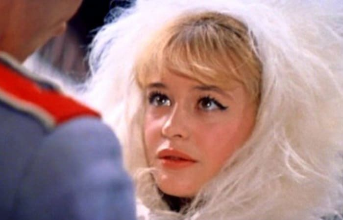 Марина Неелова в фильме *Старая, старая сказка*, 1968 | Фото: kino-teatr.ru