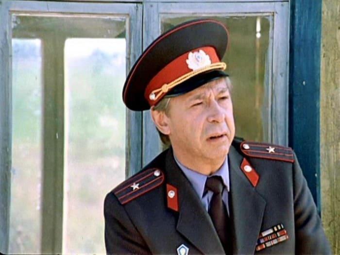 Олег Ефремов в фильме *Инспектор ГАИ*, 1982 | Фото: kino-teatr.ru