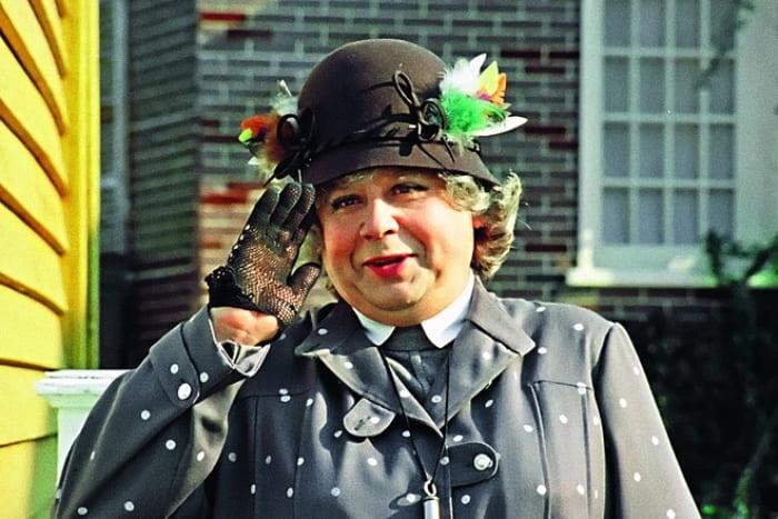 Актер в роли мисс Эндрю, 1984 | Фото: 24smi.org