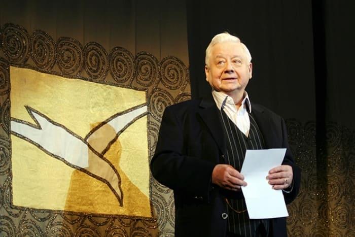 Олег Табаков на сцене театра | Фото: 24smi.org
