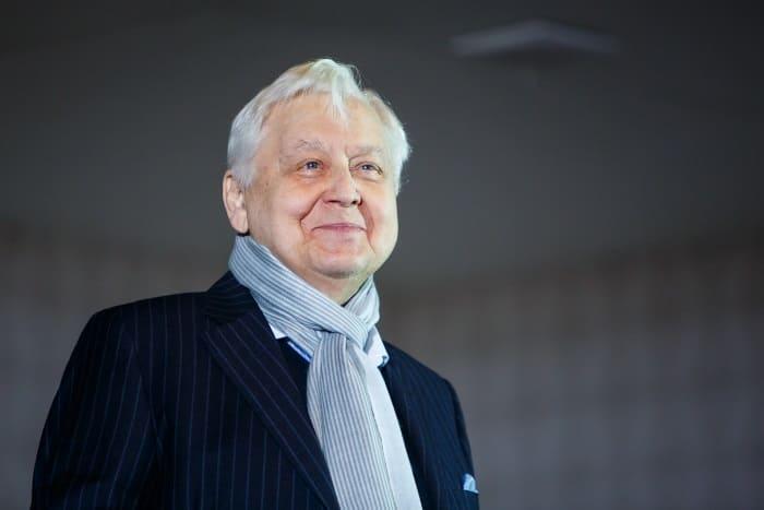Легендарный актер и режиссер Олег Табаков | Фото: kino-teatr.ru