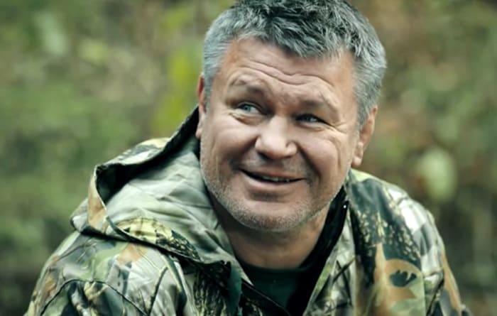 Олег Тактаров в сериале *Остров обреченных*, 2018   Фото: kino-teatr.ru