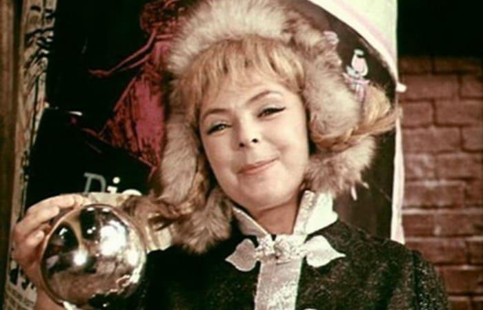 Ольга Аросева в роли пани Моники в *Кабачке *13 стульев*, 1969   Фото: kino-teatr.ru