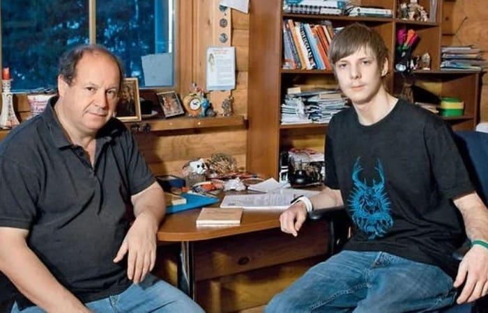 Режиссер с сыном Павлом | Фото: anews.com